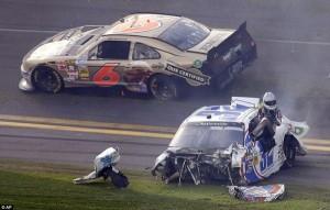 Accident in NASCAR Daytona 500 (17 photos) 3