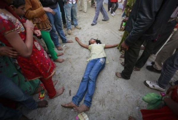 Exorcism in India (24 photos) 3
