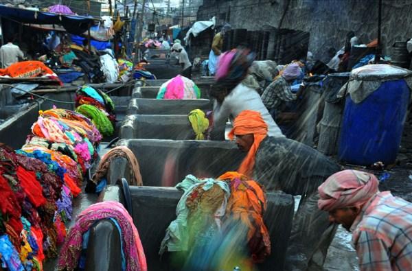Δημόσια 327 Σύστημα Πλυντήριο ρούχων στην Ινδία (16 φωτογραφίες)