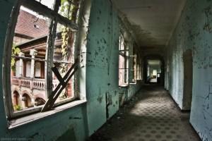 The Hospital of Horror (52 photos) 37