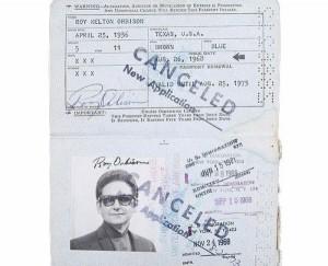 Passports of Fаmоus Реоple (17 photos) 5
