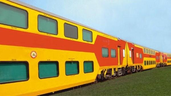 569 Η Superfast διώροφο τρένο (13 φωτογραφίες)