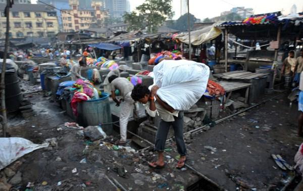 Δημόσια 616 Σύστημα Πλυντήριο ρούχων στην Ινδία (16 φωτογραφίες)