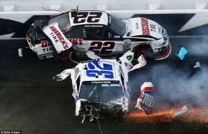 Accident in NASCAR Daytona 500 (17 photos) 6