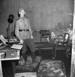 After the Fall of the Third Reich (19 photos) 7