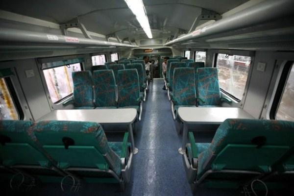 763 Η Superfast διώροφο τρένο (13 φωτογραφίες)