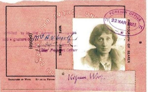 820 Passports of Fаmоus Реоple (17 photos)