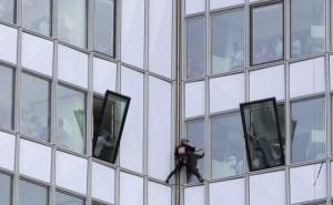 Alain Robert - The French Spiderman (20 photos) 8
