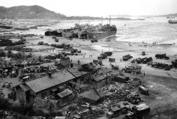 1043 Ο Πόλεμος της Κορέας 1950 1953 (33 φωτογραφίες)