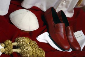 The Pope's Tailor (13 photos) 11
