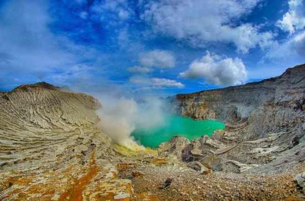116 Amazing ηφαιστειακές λίμνες (10 φωτογραφίες)