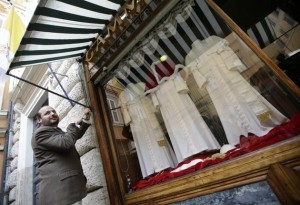 The Pope's Tailor (13 photos) 1