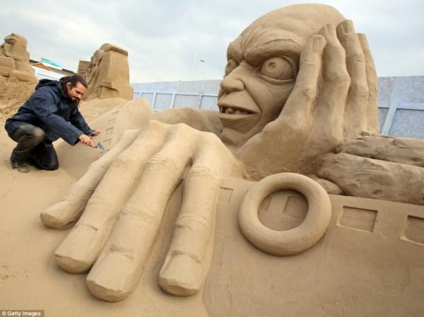 2128 Amazing Hollywood Γλυπτά Sand Themed (14 φωτογραφίες)