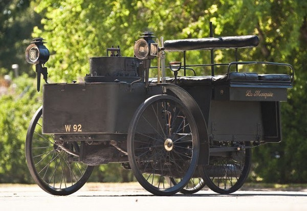 215 The World's Oldest Running Car (12 photos)