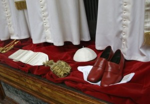 The Pope's Tailor (13 photos) 2