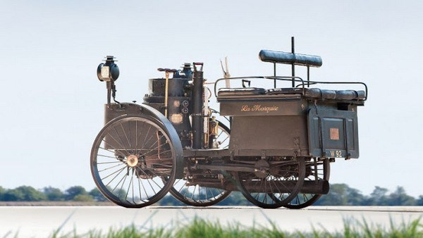 312 The World's Oldest Running Car (12 photos)