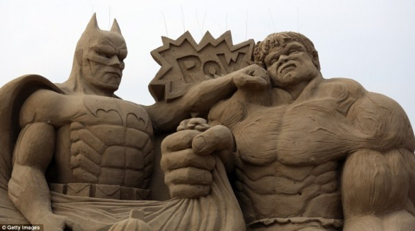 386 Amazing Hollywood Γλυπτά Sand Themed (14 φωτογραφίες)