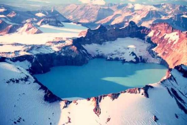 410 Amazing ηφαιστειακές λίμνες (10 φωτογραφίες)