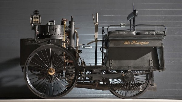 412 The World's Oldest Running Car (12 photos)