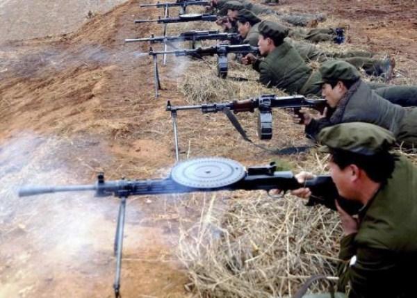 429 Η Βόρεια Κορέα Στρατιωτικό (34 φωτογραφίες)