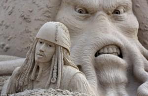 Amazing Hollywood Themed Sand Sculptures (14 photos) 5