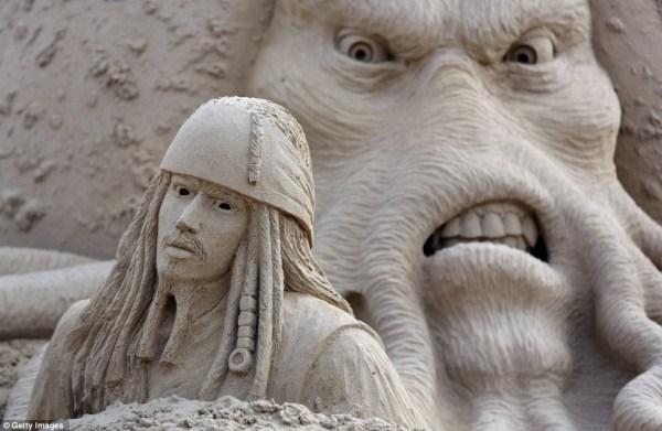 545 Amazing Hollywood Γλυπτά Sand Themed (14 φωτογραφίες)