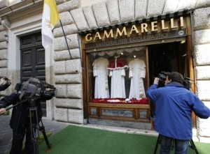 The Pope's Tailor (13 photos) 6