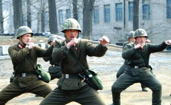 621 Το Βόρειας Κορέας Στρατιωτικό (34 φωτογραφίες)