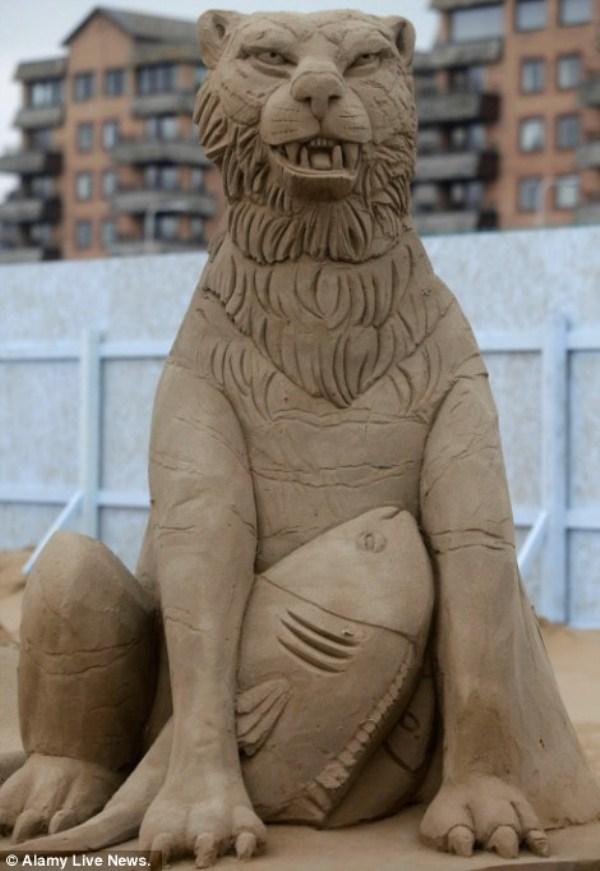 643 Amazing Hollywood Γλυπτά Sand Themed (14 φωτογραφίες)