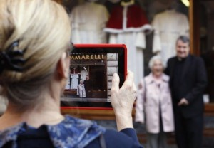 The Pope's Tailor (13 photos) 8