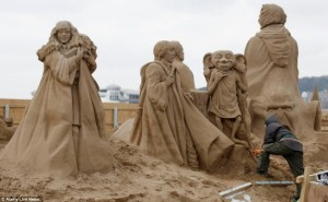 Amazing Hollywood Themed Sand Sculptures (14 photos) 8