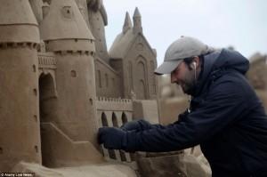Amazing Hollywood Themed Sand Sculptures (14 photos) 9