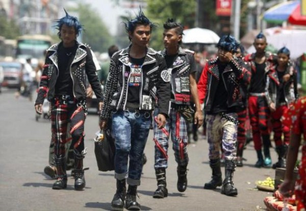 1019 Μιανμάρ Punks (10 φωτογραφίες)