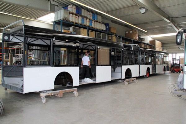 1030 World's Largest Bus (18 photos)