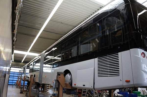 1137 World's Largest Bus (18 photos)