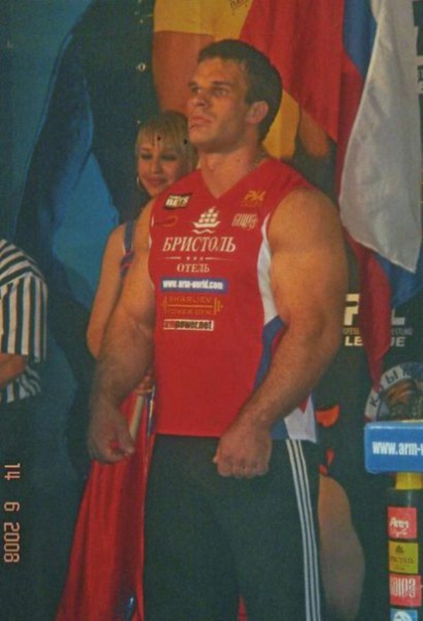1422 The Biggest Bicep of Russia (48 photos)