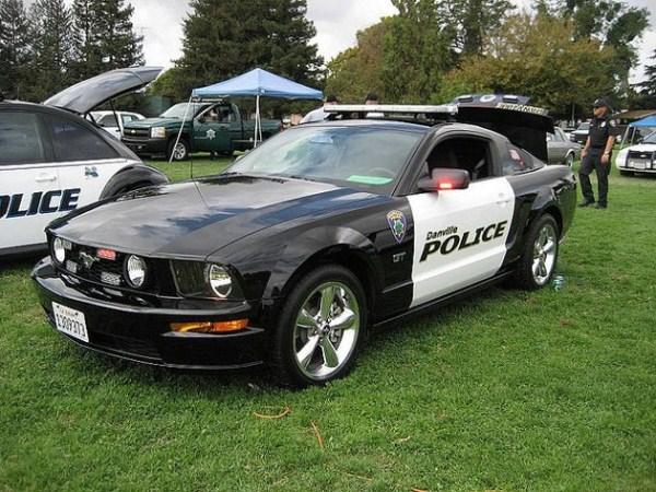 191 πιο εξωτικά αυτοκίνητα της αστυνομίας στον κόσμο (20 φωτογραφίες)