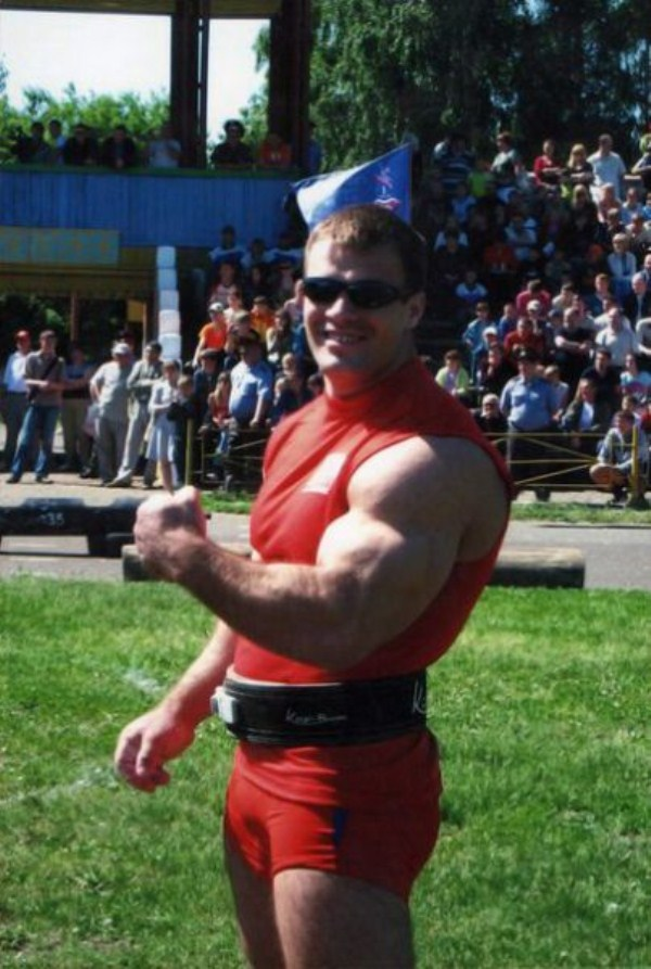 2516 The Biggest Bicep of Russia (48 photos)