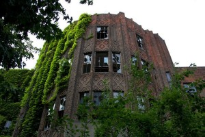 The 33 Most Beautiful Abandoned Places In The World (33 photos) 28