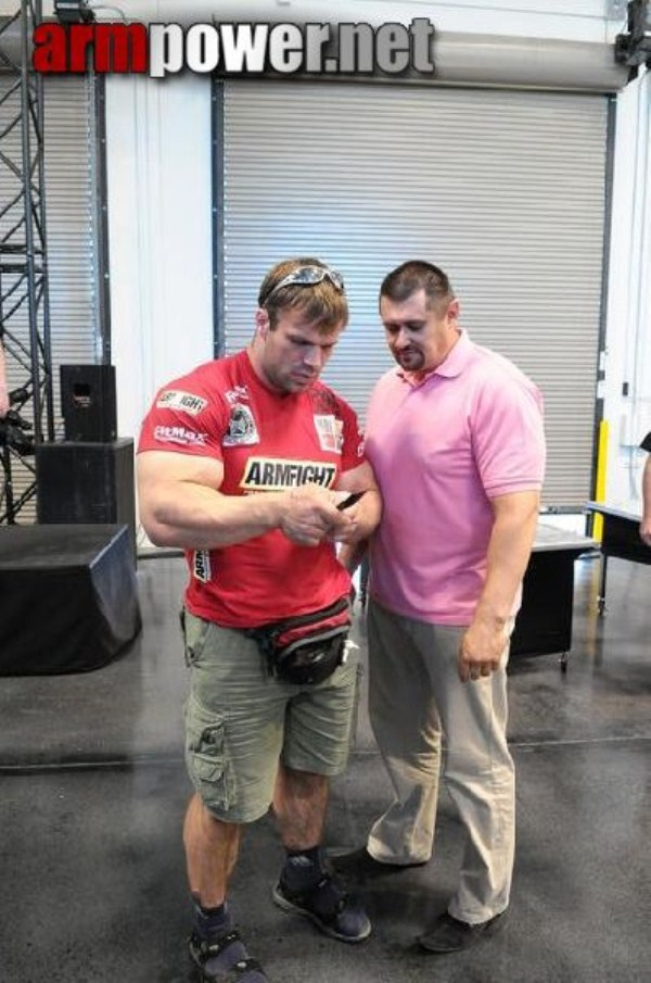 2814 The Biggest Bicep of Russia (48 photos)