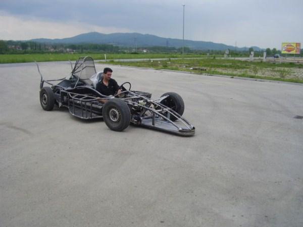 350 Σπιτική Formula One Car Racing (19 φωτογραφίες)