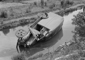 Car Accidents from the Past (44 photos) 43