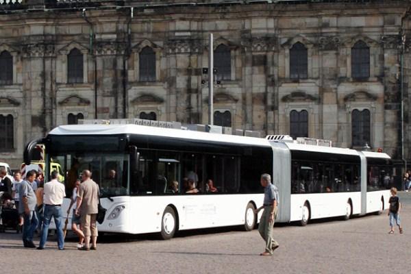 435 World's Largest Bus (18 photos)