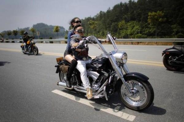 1100 Chinas Easy Riders (26 φωτογραφίες)