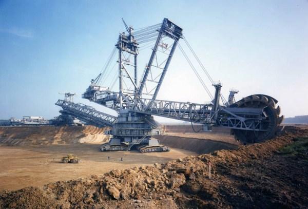 World's Largest Land Vehicle (15 photos) 1