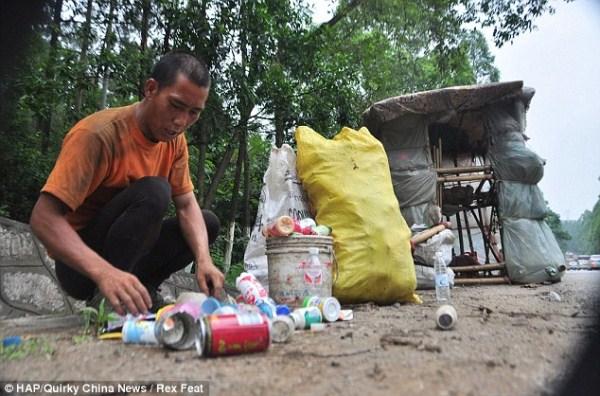 1236 ένας Κινέζος Ποιος φέρει σπίτι του στην πλάτη του (12 φωτογραφίες)
