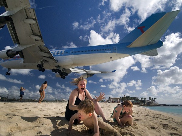 World's Scariest Airport Landing (25 photos) 15