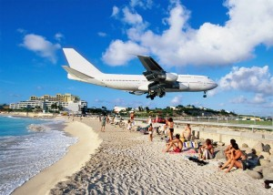 World's Scariest Airport Landing (25 photos) 21