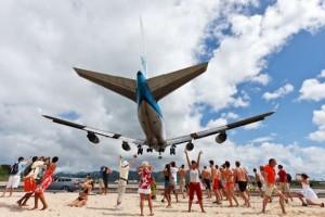 World's Scariest Airport Landing (25 photos) 24