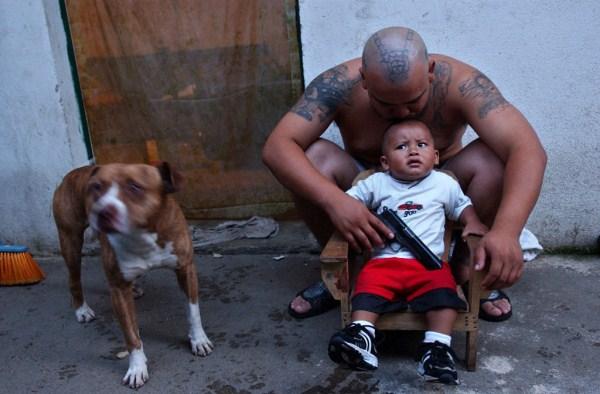 2515 The Deadly Gangs of El Salvador (40 photos)